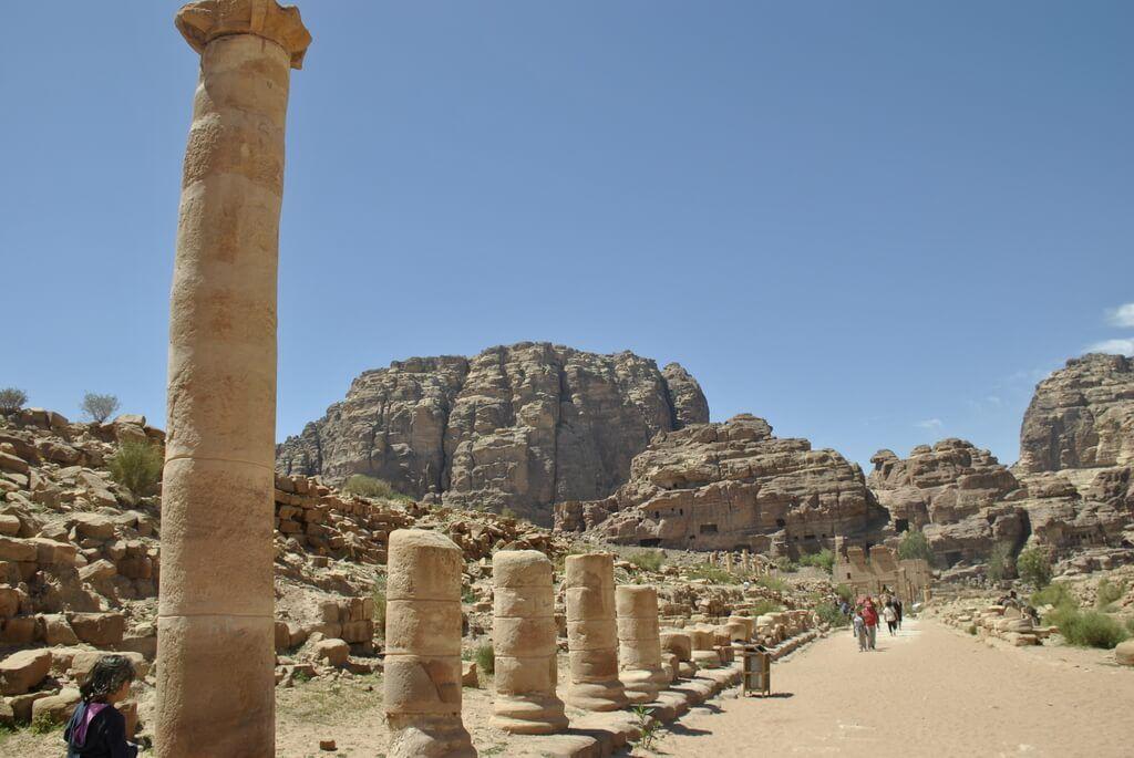 calle columnada, Petra