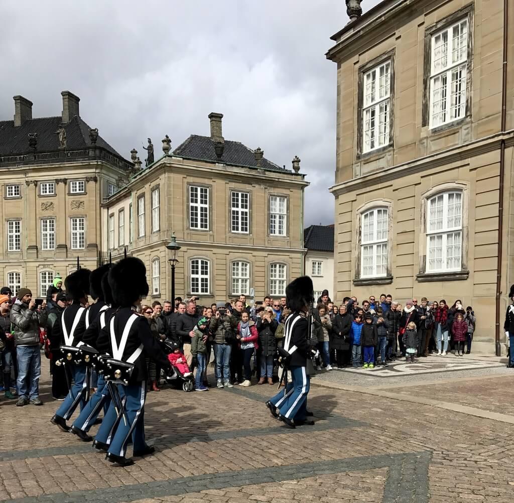 cambio de guardia en Amalienborg