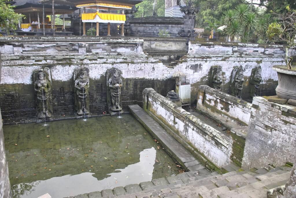 Interior Templo Goa Gajah