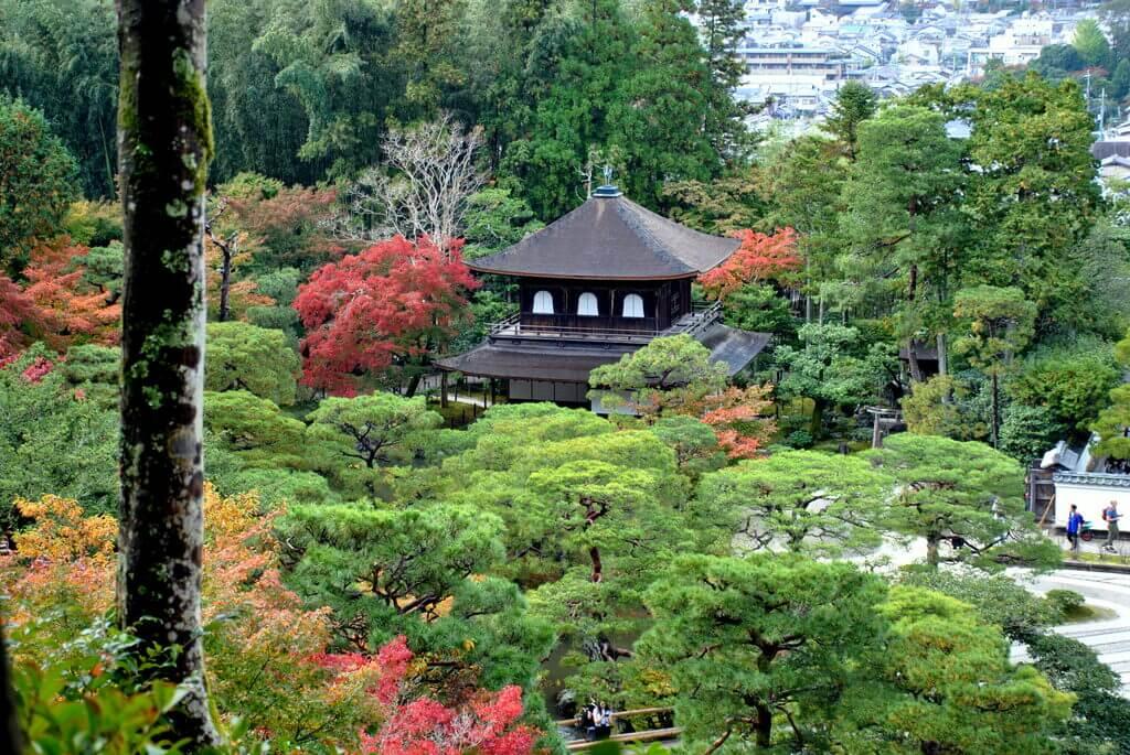 Pabellón plateado, este de Kioto