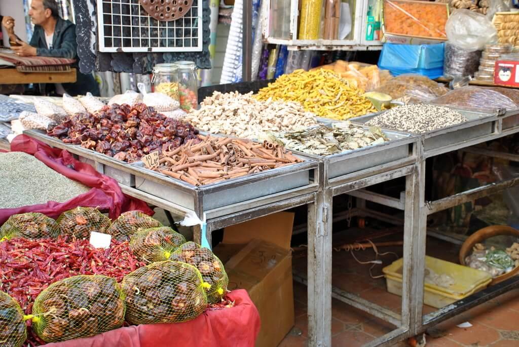 mercado de especias del mellah de Meknes