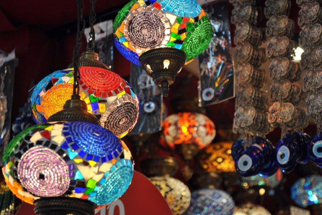 tienda de lámparas dentro del Gran Bazar