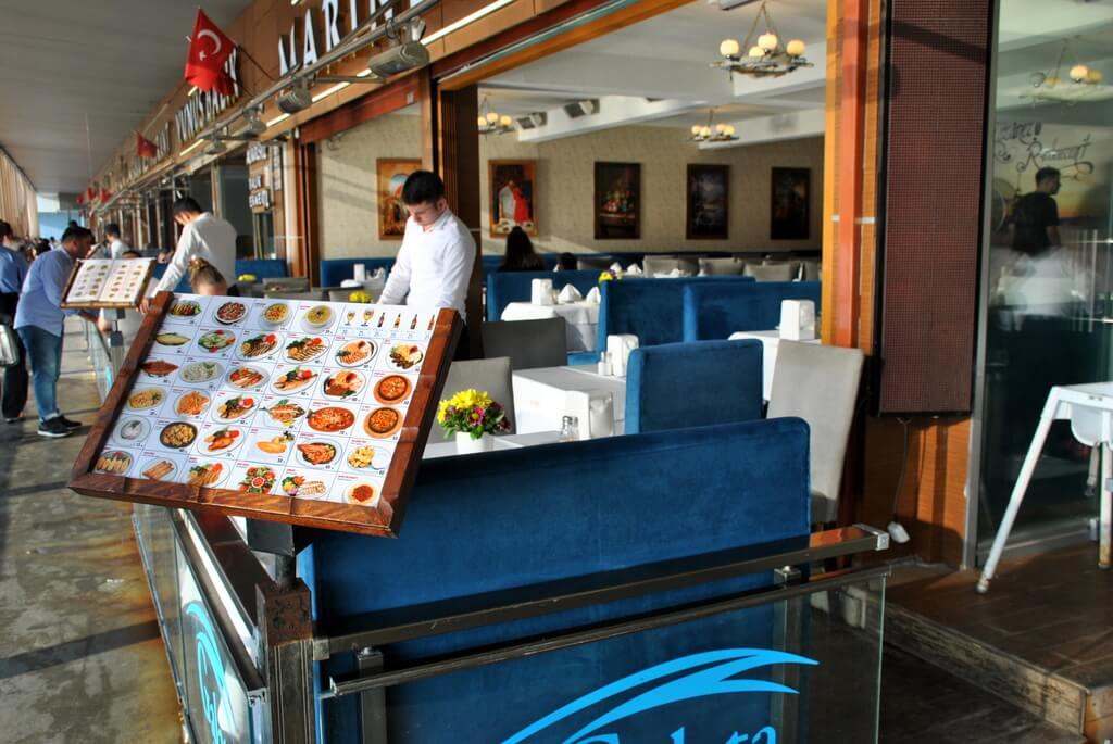 restaurante en el puente de Gálata