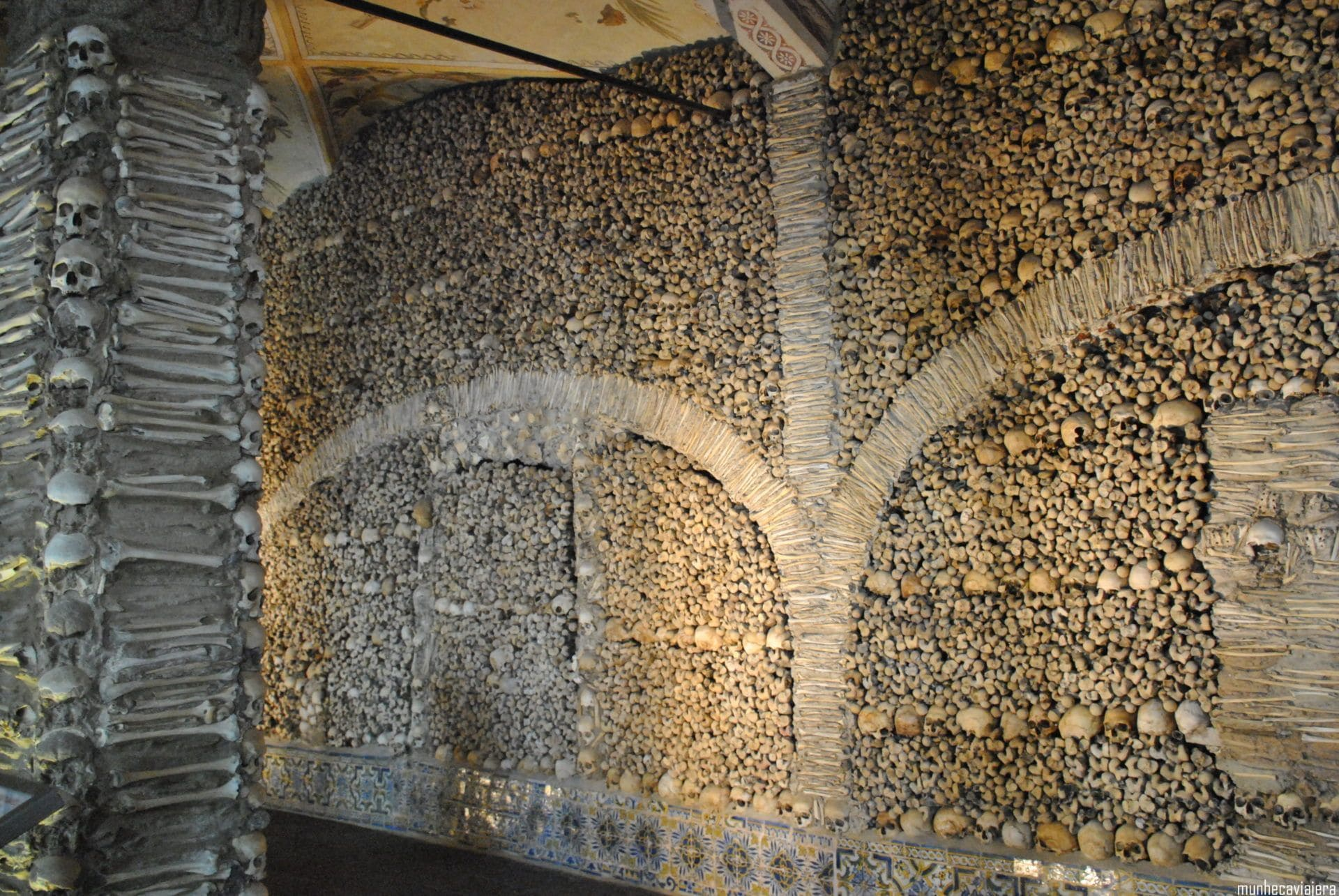capilla de los Huesos, Évora