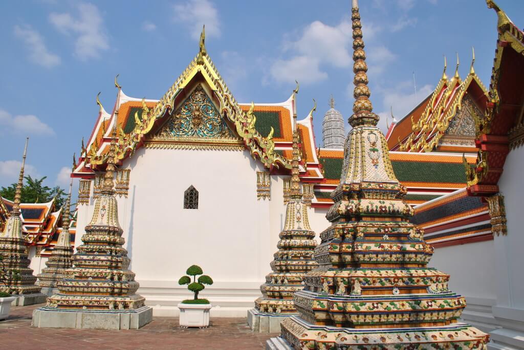 Interior del Wat Pho de Bangkok