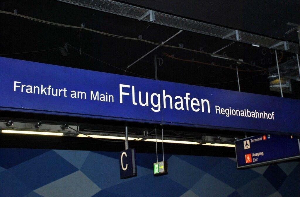 cómo ir del aeropuerto al centro de Frankfurt